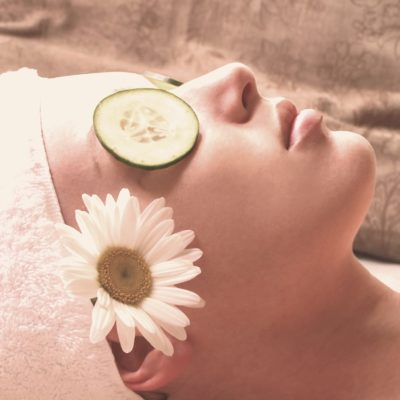 Pros and Cons of Exfoliating ~ Easy Solutions to Beautiful Skin